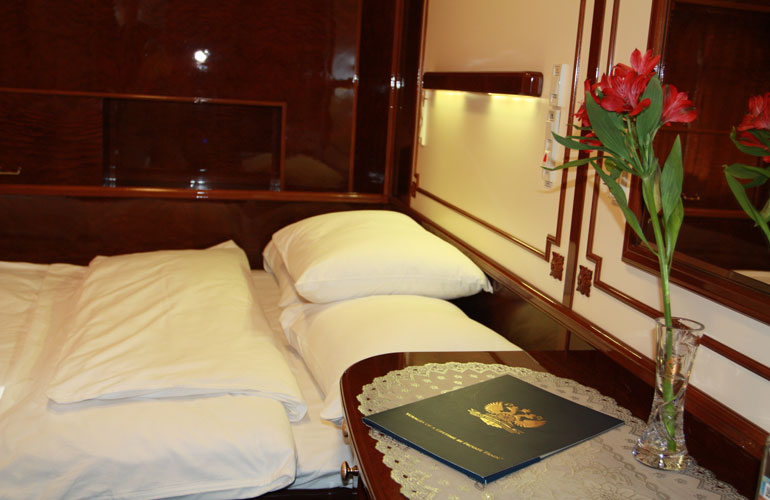Luxury Rail Travel Usa Bedroom Us Cabin