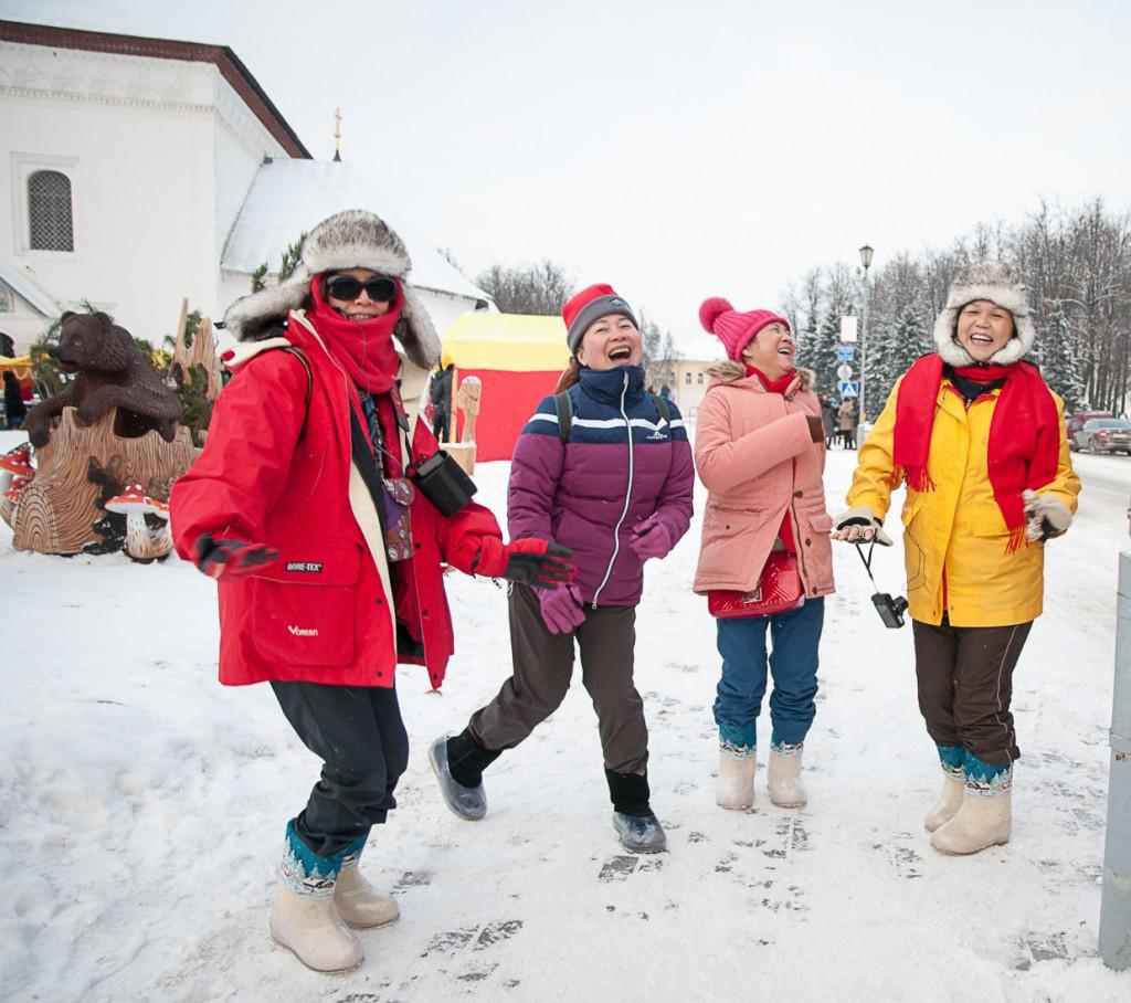 Enjoying the snow in Suzdal